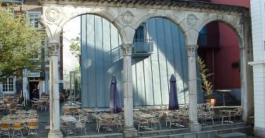Der Portikus auf dem Hof in Aachen | Insidertipps zu Aachen auf www.jollyandluke.de